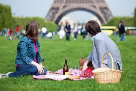 pic_nic_tour_Eiffel